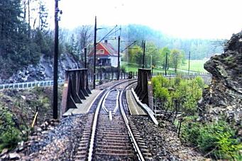 BMO bygger jernbanebro