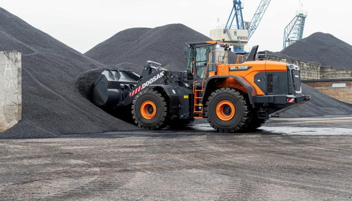 Den nye modellen DL550-7 er også en maskin som vil være skreddersydd for oppdrag i hullverk, tror importøren.