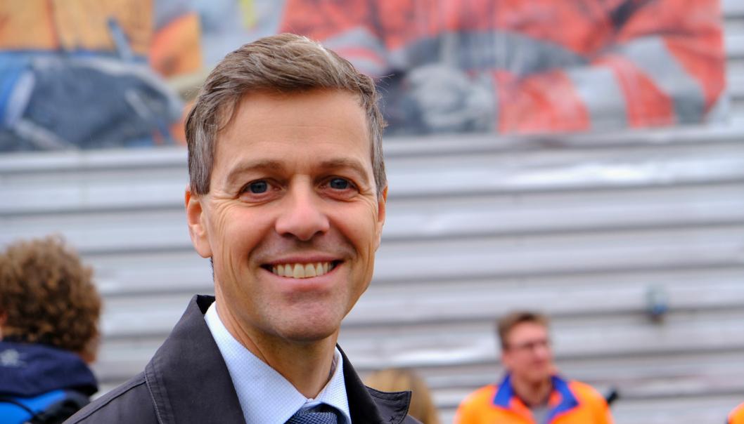 - Vi håper at fylkeskommunene vil benytte perioden fram til veilistene blir oppdatert i april 2021, til å gjøre en omfattende jobb med å finne ut hvilke strekninger som kan åpnes for modulvogntog, sier samferdselsminister Knut Arild Hareide.