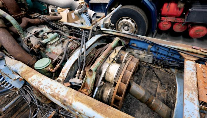 TIDLIG: 142-trekkvogna fra 1987 var den første Tenden-bilen med Thelma-brems direkte på girkassa. Fortsatt synes Tendens blåfarge inne i ramma.