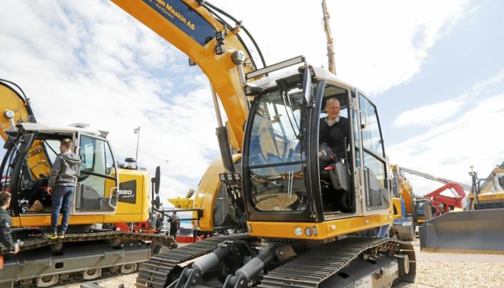 Solvik-Olsen har stor interesse maskiner, teknologi og bransjene anlegg og transport. Foto: Klaus Eriksen