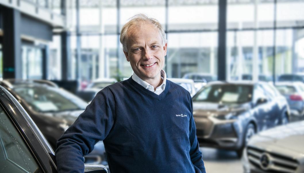 - Vi tror andelen elbiler i varebilmarkedet vil vokse i 2021, og vi jobber steinhardt for å kunne forsyne det norske markedet med elektriske varebiler fra fabrikkene vi representerer, sier Harald Frigstad, konsernsjef i Bertel O. Steen.