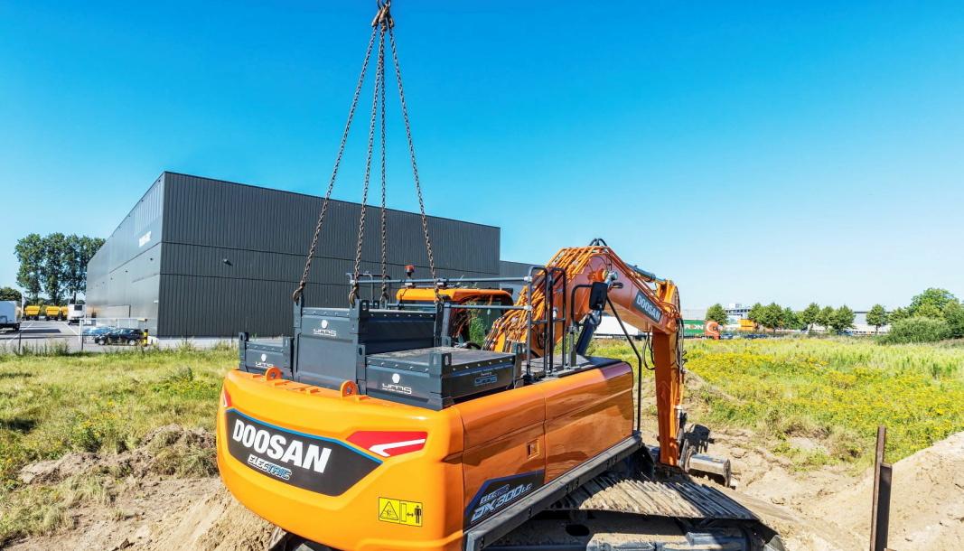 Denne 30-tonns Doosan-beltegraveren kan leveres elektrisk. Foto: Doosan/Staad/JCB