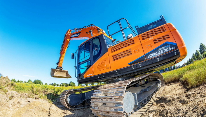 30 tonn. Maskinen bygges om hos den nederlandske Doosan-forhandleren.