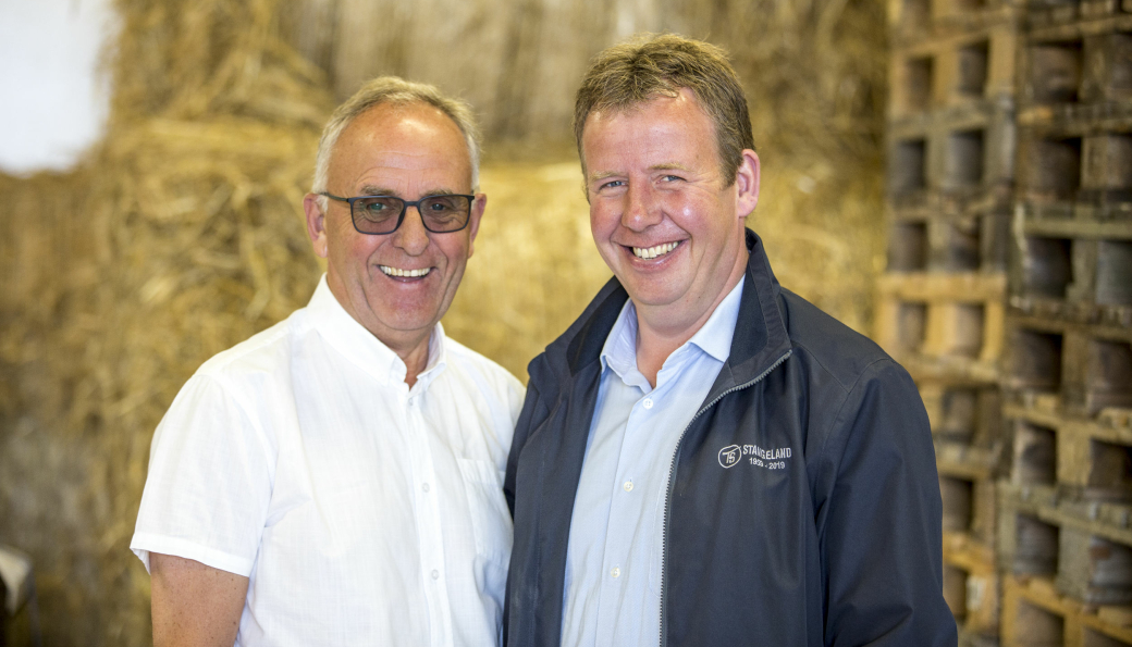 Olav og Tommy Stangeland er veldig godt fornøyde med å ha inngått avtale med Veidekke om kjøp av virksomheten i Rogaland.