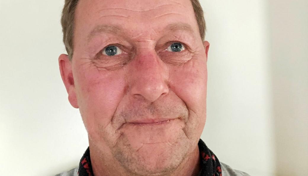 Erlend Monsen (55) er ansatt som distriktssjef for maskinsalg for Hymax i Møre og Romsdal.