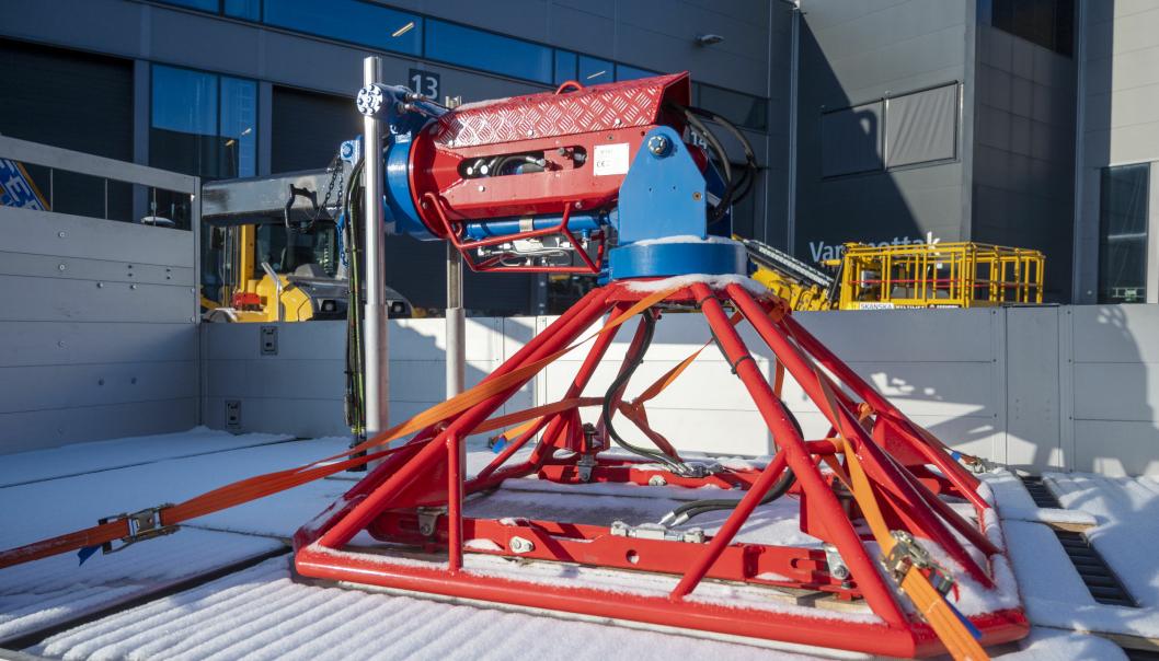 .SPESIAL: Med dette spesialåket skal bilene brukes til montering av armeringsmatter i tunnel.
