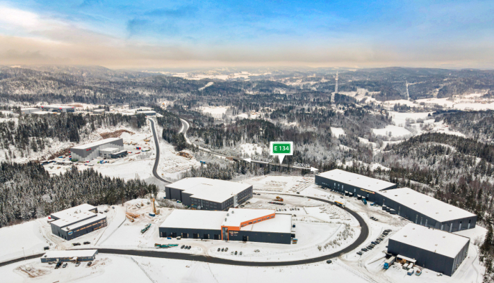 GOD BELIGGENHET: Røyken Næringspark ligger strategisk plassert langs E134.