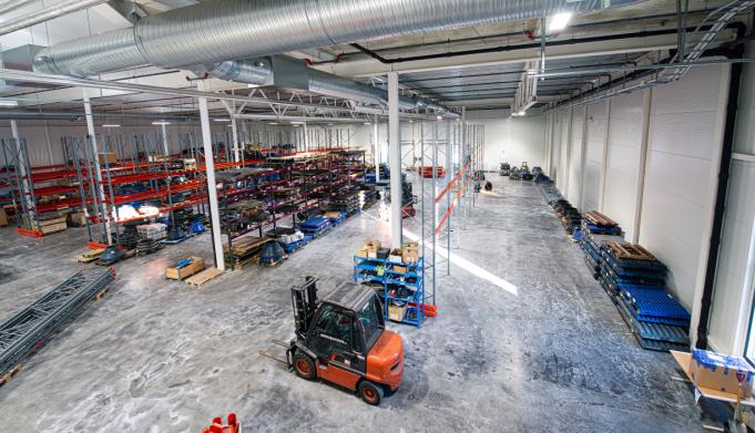 TO STORE HALLER: Perfekt for lager, logistikk og transportkrevende virksomheter