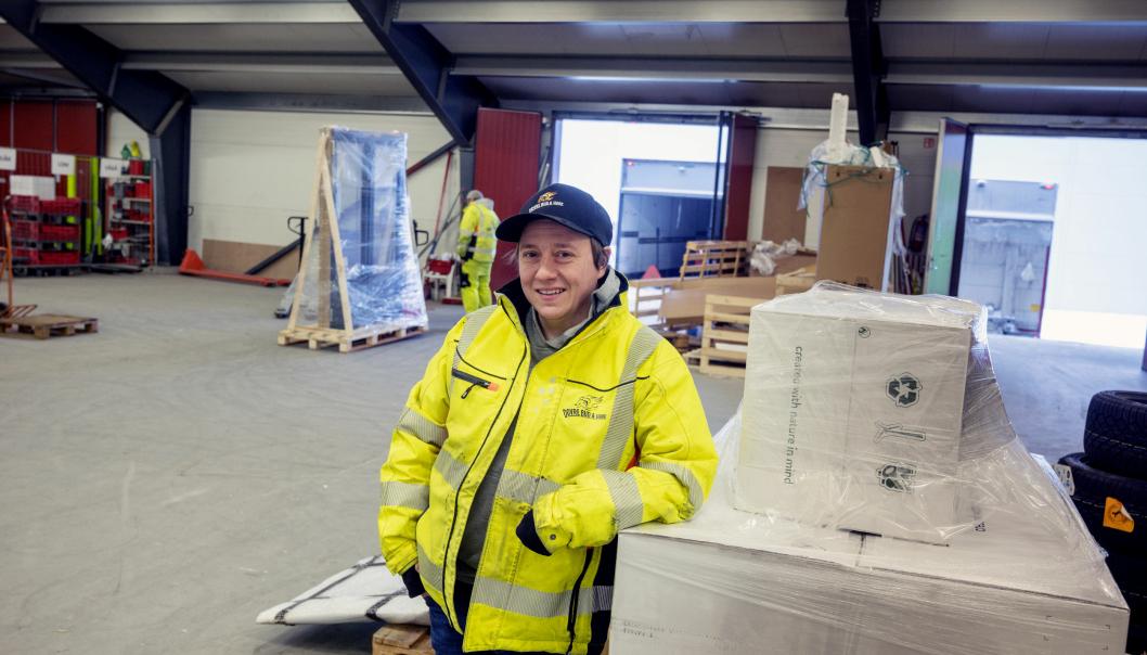 TERMINAL: Rune Sletten og Dovre Bud og Vare henter mye gods hver dag på Bring-terminalen på Otta.