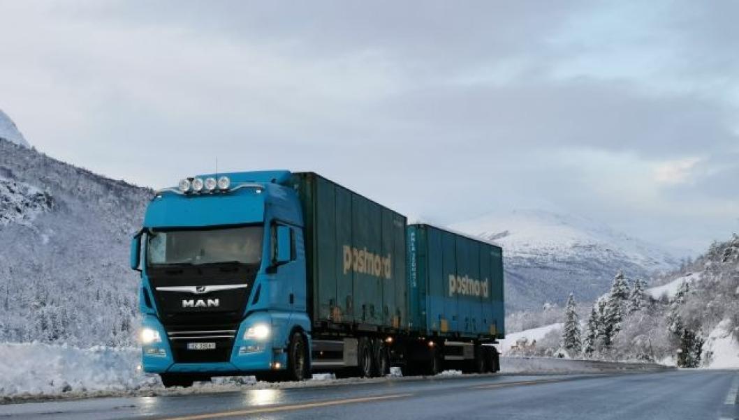 CONTAINER: Flere av bilene går i linjetrafikk med containere for Postnord.