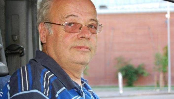 Jan Høiback, leder i T.I.A. Norge, mener det er bedre å bygge god vei enn middels god vei med noen få km ekstra.
