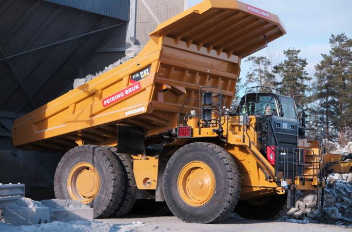NYMASKINEN: Cat 777G med skreddersydd lastekasse og ny førerhytta.