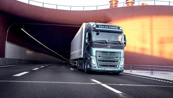 Det er også utviklet en batterielektrisk Volvo FH for regional transport. I løpet av dette tiåret skal Volvo også ha utviklet lastebiler med brenselcelle-teknologi for miljøvennlig langtransport.