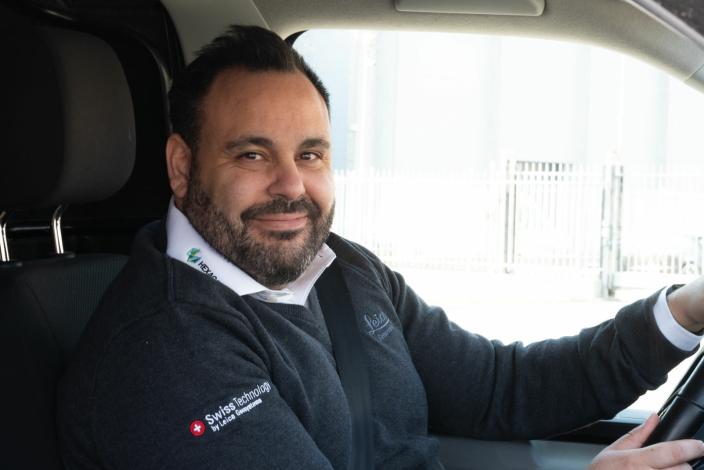 <strong>HØY KUNDETILFREDSHET:</strong> Fredrik Westgärds og resten av support-teamet tar imot nærmere 15.000 supporttelefoner fra norske kunder årlig.