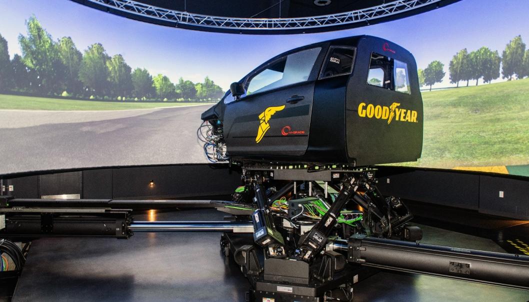 SIMULATOR: Med investering i en ny dynamisk simulator skaper Goodyear fremskritt i sin dekkutvikling. Foto: Goodyear