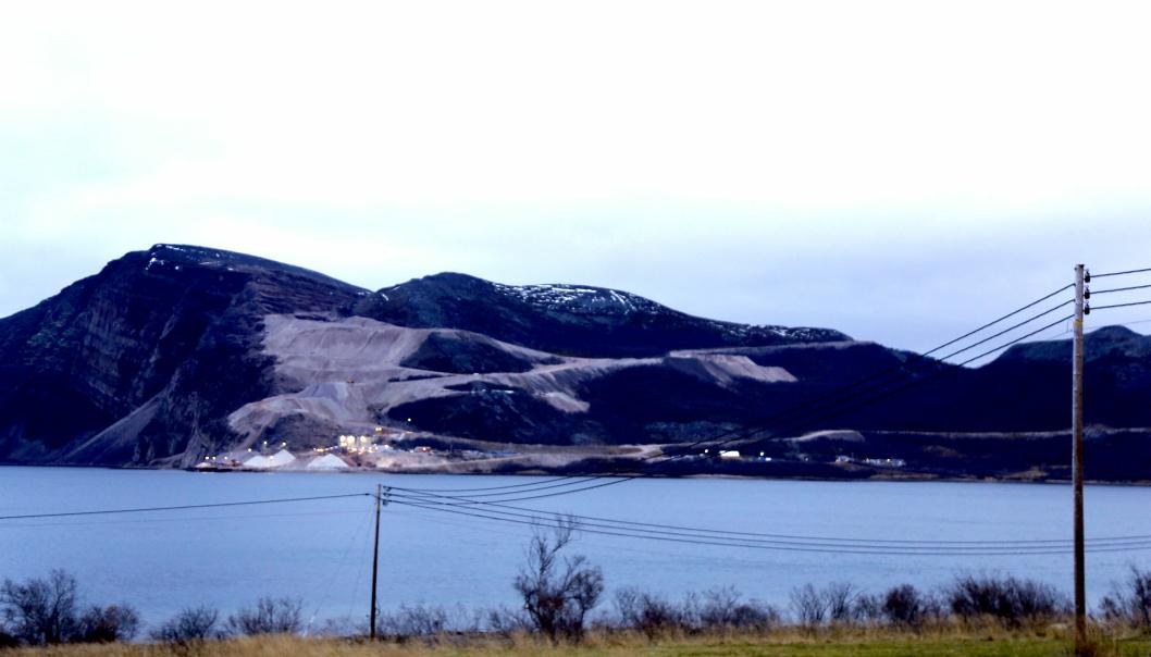 AUSTERTANA: Dette er verdens største kvartsittgruve. Den lyse bergarten i Finnmark havner i produkter over hele kloden, og, ja, til og med på Mars.