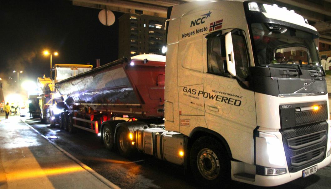 Dette er ifølge NCC Norges første biogass-lastebil i asfalttransport.