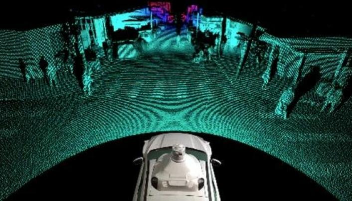 Med Lidar-teknologi kan bilen «se» objekter helt opp til 400 meter unna.