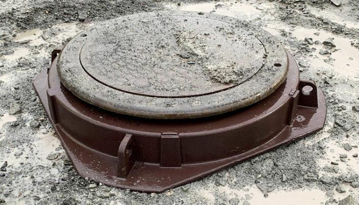 STØTTES MOT GRUNNEN: FloatRing er konstruert slik at ringen støttes mot grunnen, og ikke mot kumgodset. Foto: Arstec