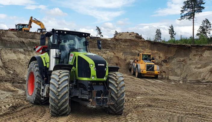 SJELDEN 1: Claas 960-traktoren er faktisk ganske sjelden i Norge. Ifølge Mosengen er det bare tre slike i kongeriket.