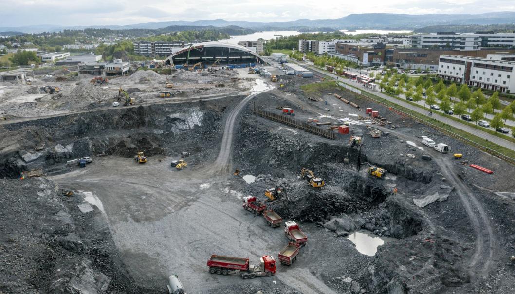 BYGGEGROPA: Det er store dimensjoner på Fornebu, selve byggegropen blir 500x100 meter og skal etableres som en tørr byggegrop.