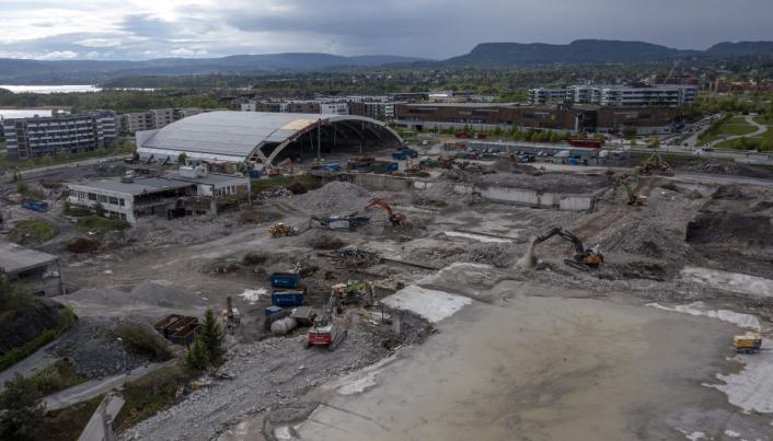 RIVING: Det har vært en stor jobb å rive byggningsmassen, som i enkelte tilfeller har gått tre etasjer under bakkenivå.
