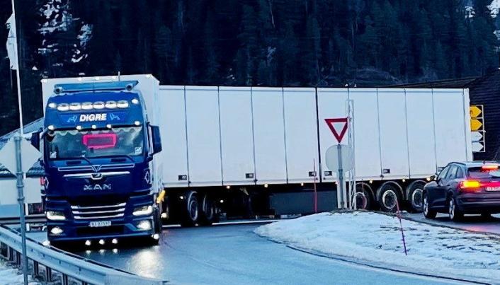 GOD ERFARING: Stian Winsnes i Digre Transport har bare positive erfaringer etter den første vinteren med 25,25 meter.