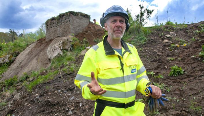 Entreprenør Odd Jørgensen ved Odhin Craft har spesialisert seg på installasjoner som skal være så naturtro som mulig. Han har hatt mange oppdrag for Dyreparken i Kristiansand, og har laget utseendet til de mobile sandsvalehotellene.