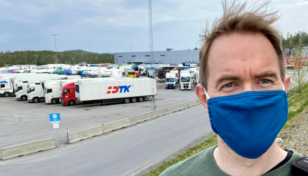Stølen er ansatt som journalist i FriFagbevegelse i en prosjektstilling, og skal skrive om sjåførenes arbeidsforhold for FriFagbevegelse. Her er han på Fugleåsen døgnhvileplass i Nordre Follo, sør for Oslo.