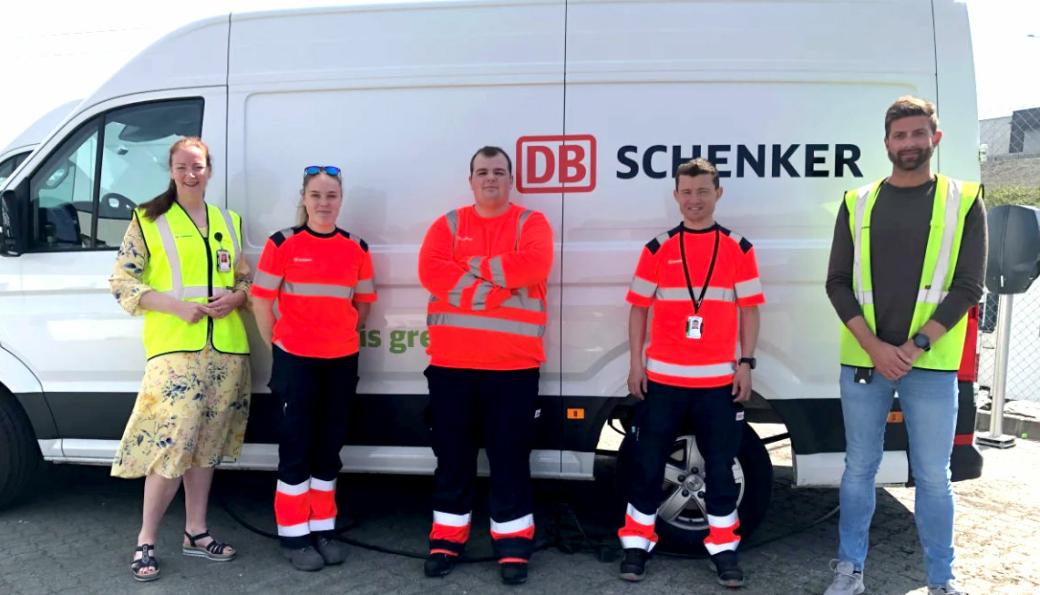 Stolte Schenker-ansatte som nå bidrar godt til reduserte CO2-utslipp. F.v: Hege Eide, Silje Sande, Pawel Jebrzyki, Håvad Svihus, og Frode Svendsen.
