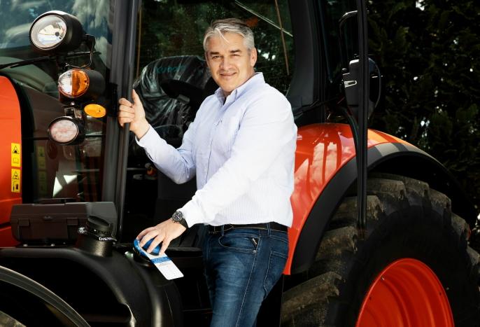 Kjetil Nilsson er daglig leder i Nellemann Machinery AS, og han bidrar til at Petter Pilgaard kommer i gang med eget firma.