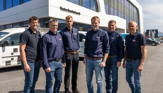 Bilde av ledergruppen i Nordic Bulk samt deres prosjektleder for Engebø-prosjektet, Anders Ask. Fra venstre: Atle Maudal, Sjur Bjerke, Anders Ask, Peder Egeland (daglig leder), Jone Mæland og Karstein Øvstebø.