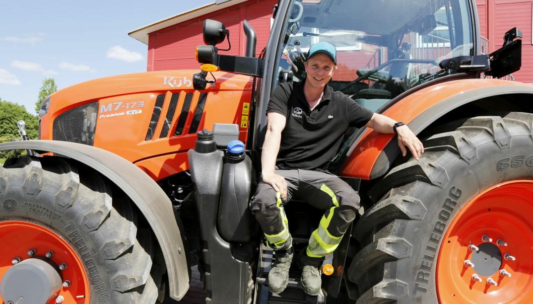 Petter Pilgaard starter eget firma, Pilgaard Maskin i juni 2021. Han bruker utstyr - hovedsakelig Kubota - i forbindelse med en samarbeidsavtale med Nellemann Machinery AS. Her hos Kubota-forhandleren Kubota Center Lier i Lier.Foto: Klaus Eriksen