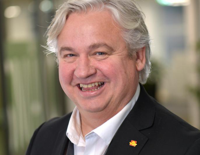 Utbyggingsdirektør Kjell Inge Davik sier Statens vegvesen har en kontraktsstrategi som sikrer god deltakelse fra norske entreprenører.