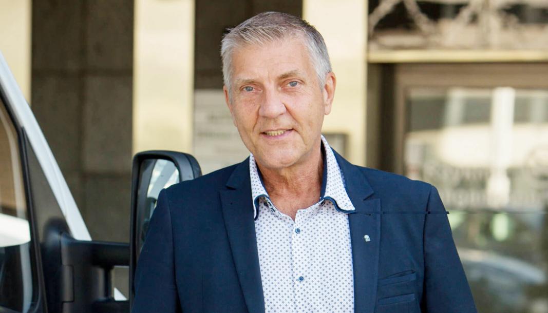 VONDT TIL VERRE: Teknisk direktør i BIL, Tore Lillemork er oppgitt over behandlingstiden på tunge kjøretøy hos Statens vegvesen. Det har gått fra vondt til verre.