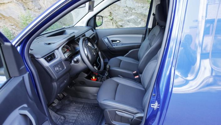 GREIT: Interiøret i Renault Express er helt greit, det er et arbeidsredskap med den nødvendige komforten.