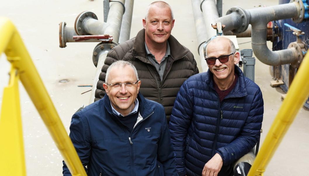 ENKELT PRODUKT: Denne trioen lanserer Roge-mansjetten i det norske markedet. Fra v. markedssjef Oddbjørn Rokstad, daglig leder Geir Rugseth og teknisk sjef Roger Gjersvik. Foto: Roge AS