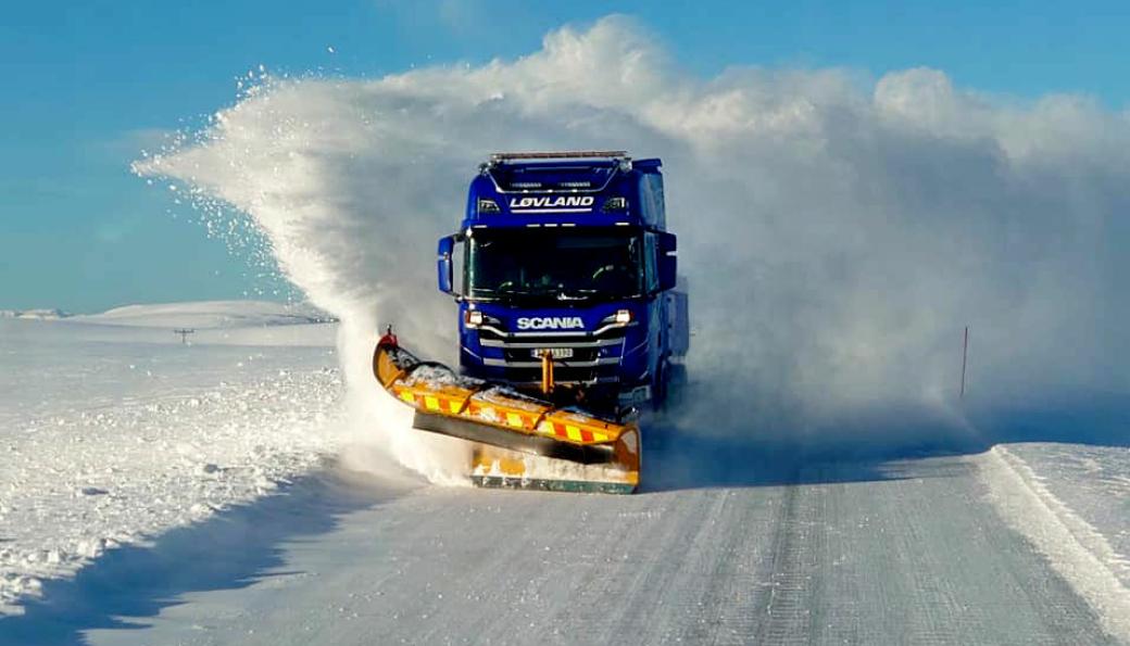Løvland Maskin & Transport er en erfaren veidrifter lengst i nord i Norge.