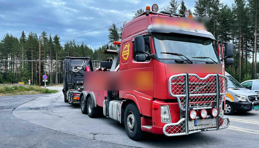 Estisk tungberger stoppet under transport fra Norge til Sverige, på rv. 2 i Våler (Innlandet).