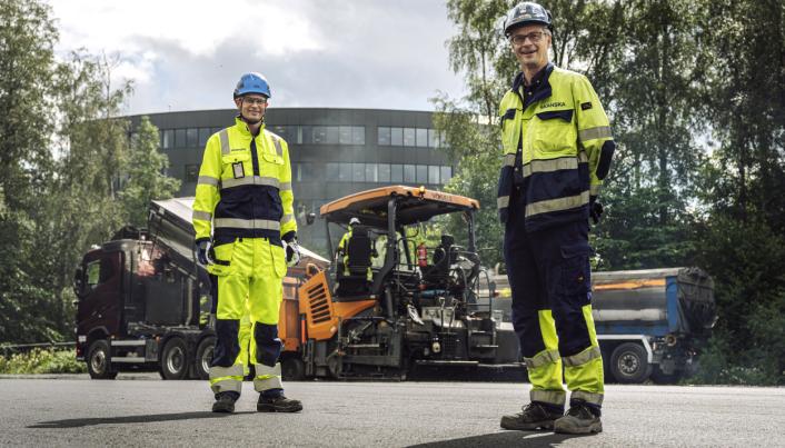 Erik Grimm-Strømme, distriktssjef Skanska Industrial Solutions og Eilev Lilleland, prosjektleder for innledende fase av E18 Vestkorridoren.