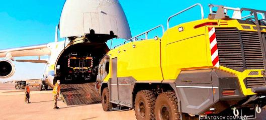 Tre Panther 6x6 med dårlig tid fraktet luftveien - i én vending