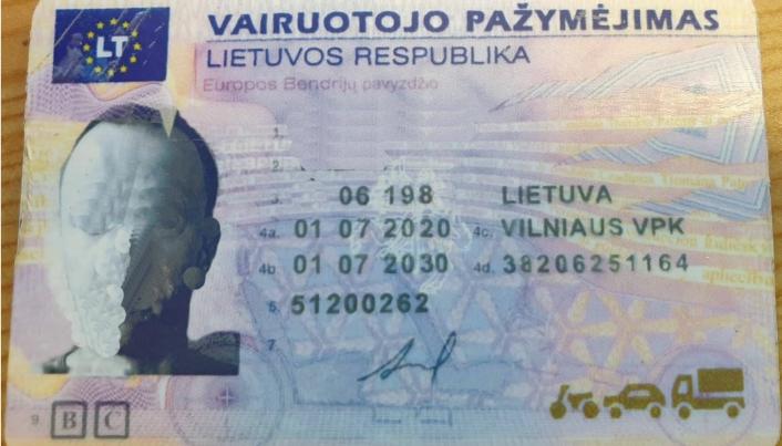 FALSKT: Dette førerkortet brukte ikke kontrollørene til Statens vegvesen lang tid på å avsløre at er falskt. Foto: Statens vegvesen