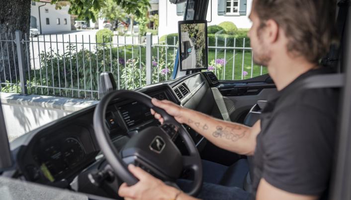 For sjåfører som kjører mye i bytrafikk vil de nye assistansesystemene gjøre hverdagen lettere.