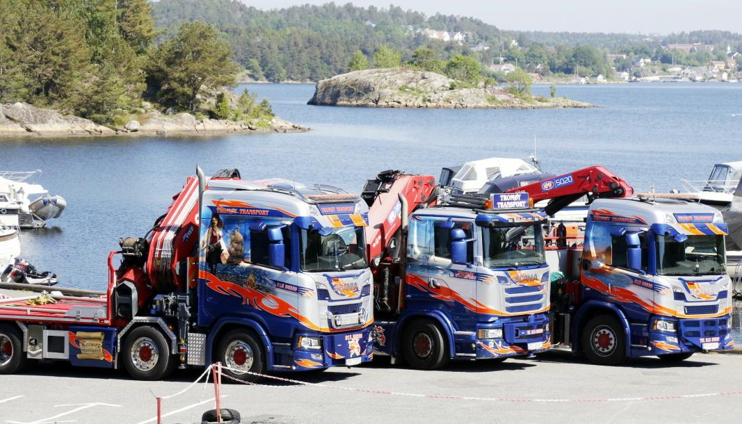 TROMØY TRANSPORT: Fargene og motivlakkerte biler, er blitt «signaturen» til Tromøy Transport fra Tromøy utenfor Arendal. Foto: Klaus Eriksen