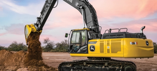 Deere og Hitachi slutter med felles produksjon og markedsføring