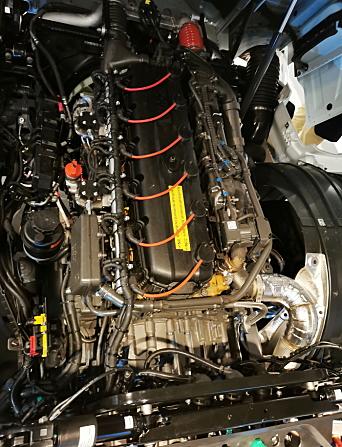 TENNPLUGGER: For å benytte hydrogen som energikilde i en forbrenningsmotor må det en elektrisk tenning til.