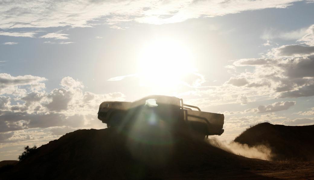 Enda et hemmelighetsfullt bilde fra Ford av nye Ranger.
