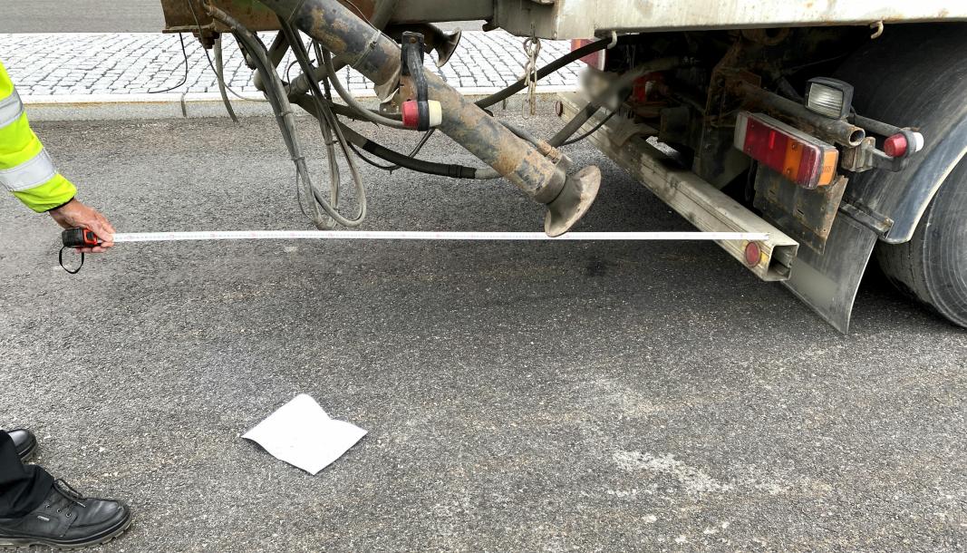 Overheng på 180 cm ble målt på denne lastebilen, ved Ånestad kontrollstasjon i Innlandet 9. september.