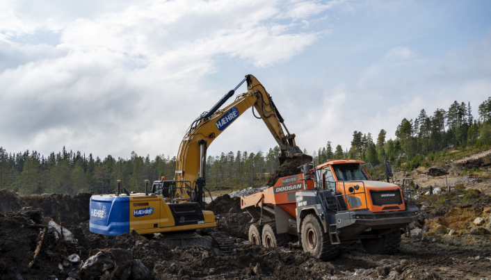 ALT: Alle nye maskiner som har blitt tatt i bruk i Hæhre Entreprenør siden i fjor har alkolås. Nå har de passert 100 maskiner med systemet.